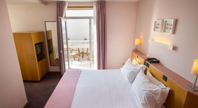Camino de Santiago Accommodation: Grande Hotel de Povoa ⭑⭑⭑