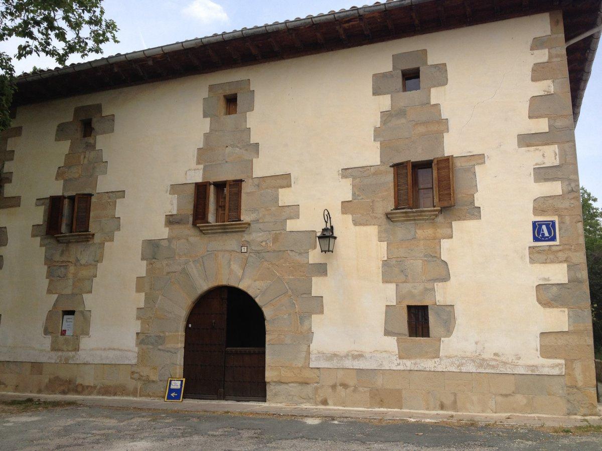 Camino de Santiago Accommodation: Albergue Familia Roncal