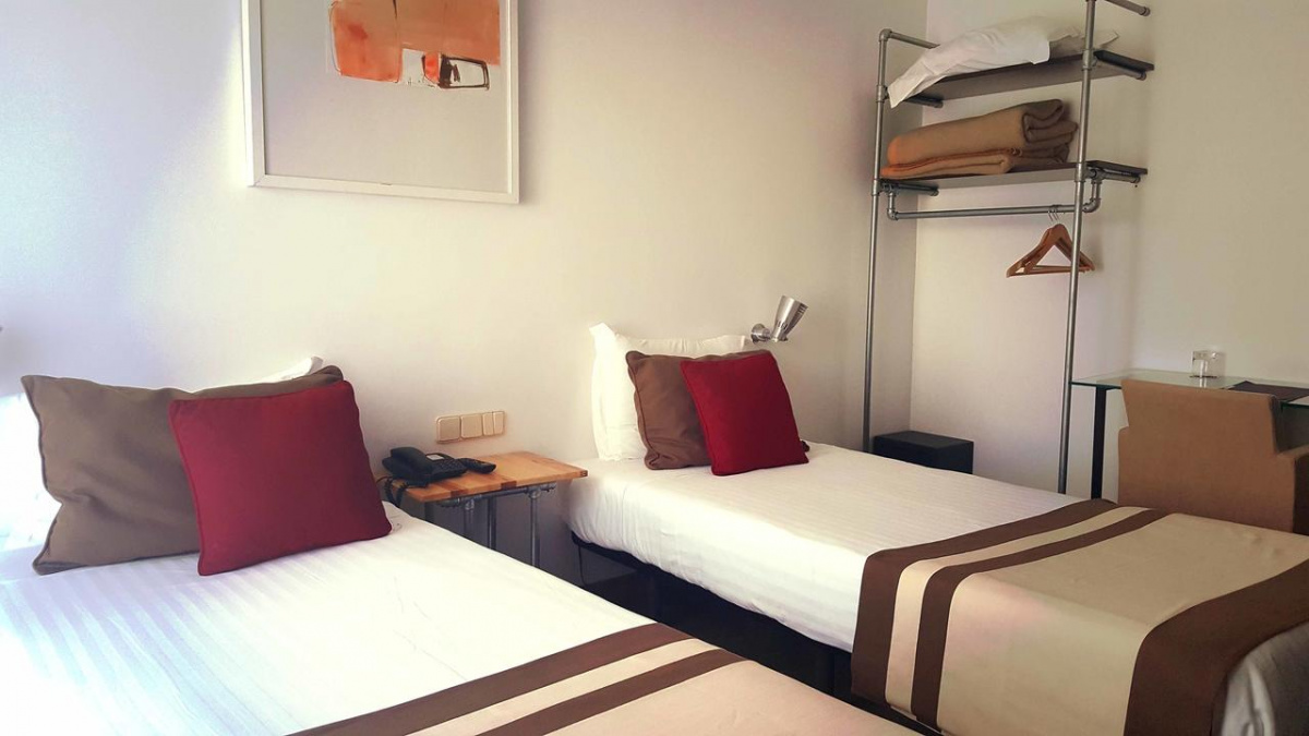 Camino de Santiago Accommodation: Hotel Umu ⭑⭑⭑