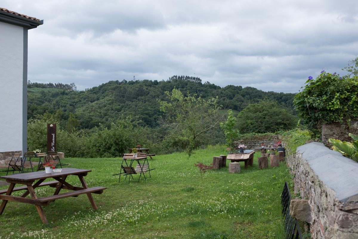 Camino de Santiago Accommodation: La Rectoral de Priesca