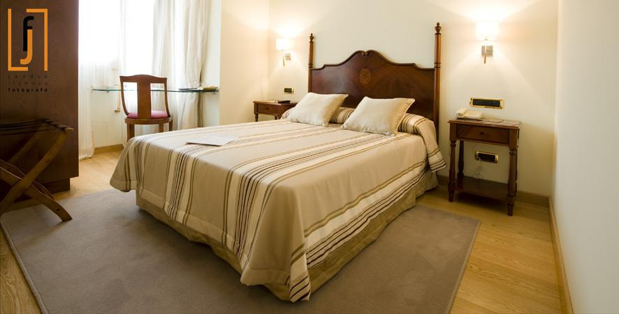 Camino de Santiago Accommodation: Hotel Campoamor ⭑⭑
