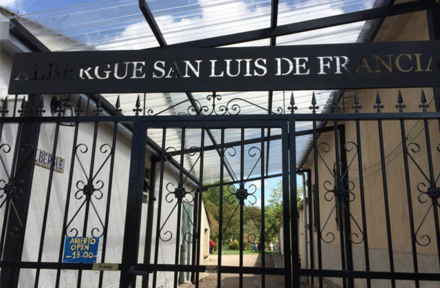 Camino de Santiago Accommodation: Albergue San Luis de Francia