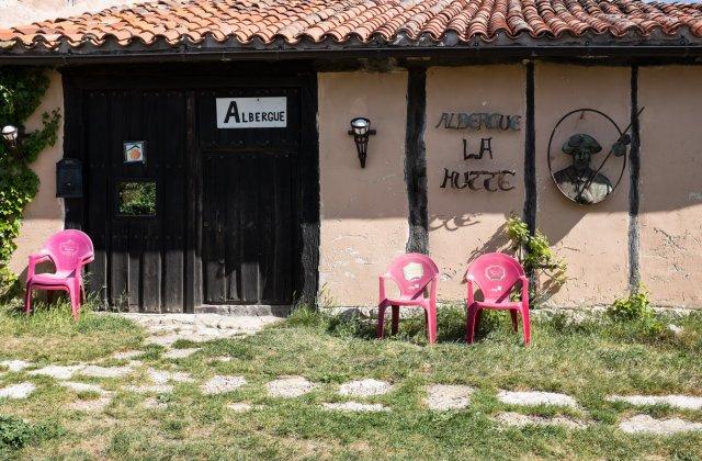 Camino de Santiago Accommodation: Albergue de Peregrinos La Hutte