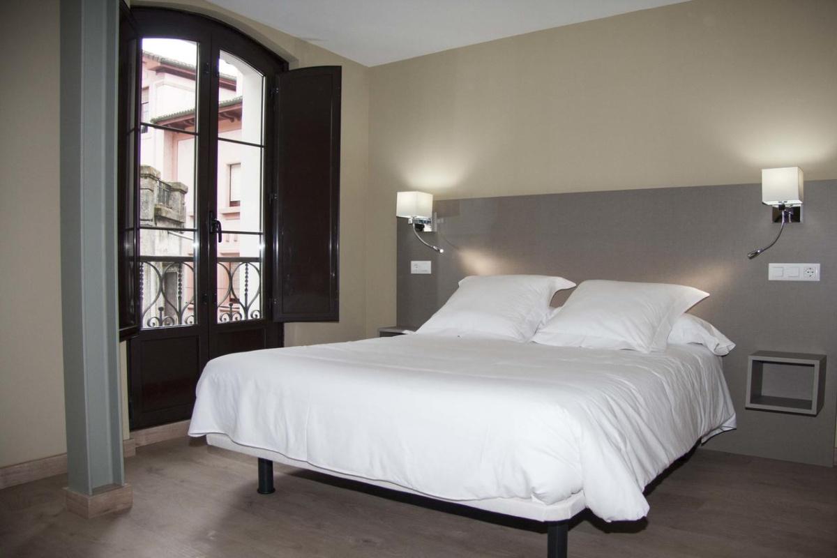 Camino de Santiago Accommodation: Hotel Areces ⭑⭑⭑