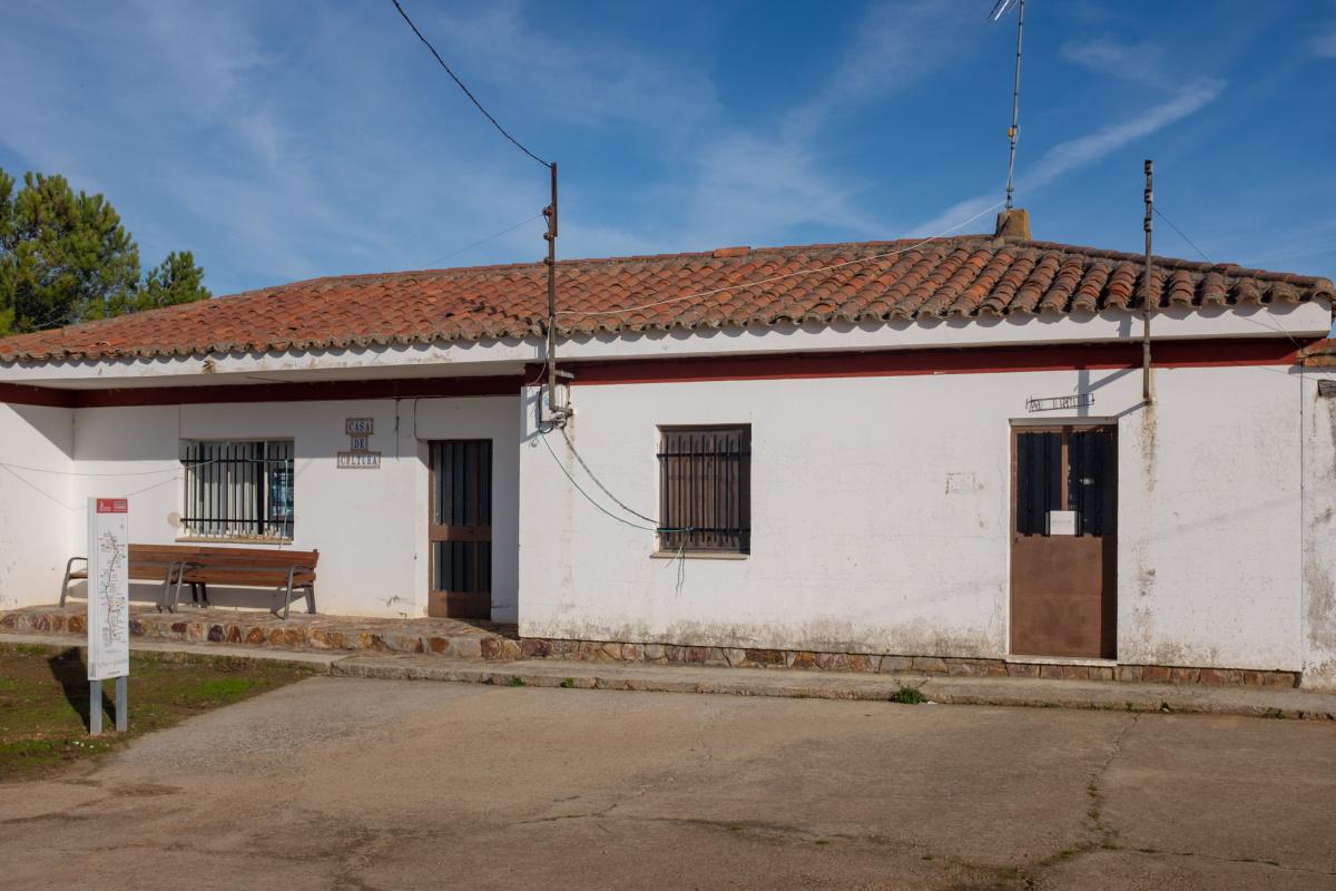 Camino de Santiago Accommodation: Albergue de peregrinos de Villabrázaro