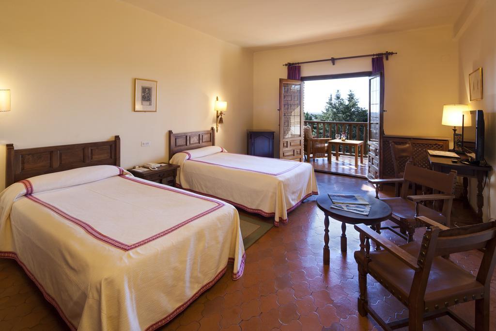 Camino de Santiago Accommodation: Parador de Benavente ⭑⭑⭑⭑