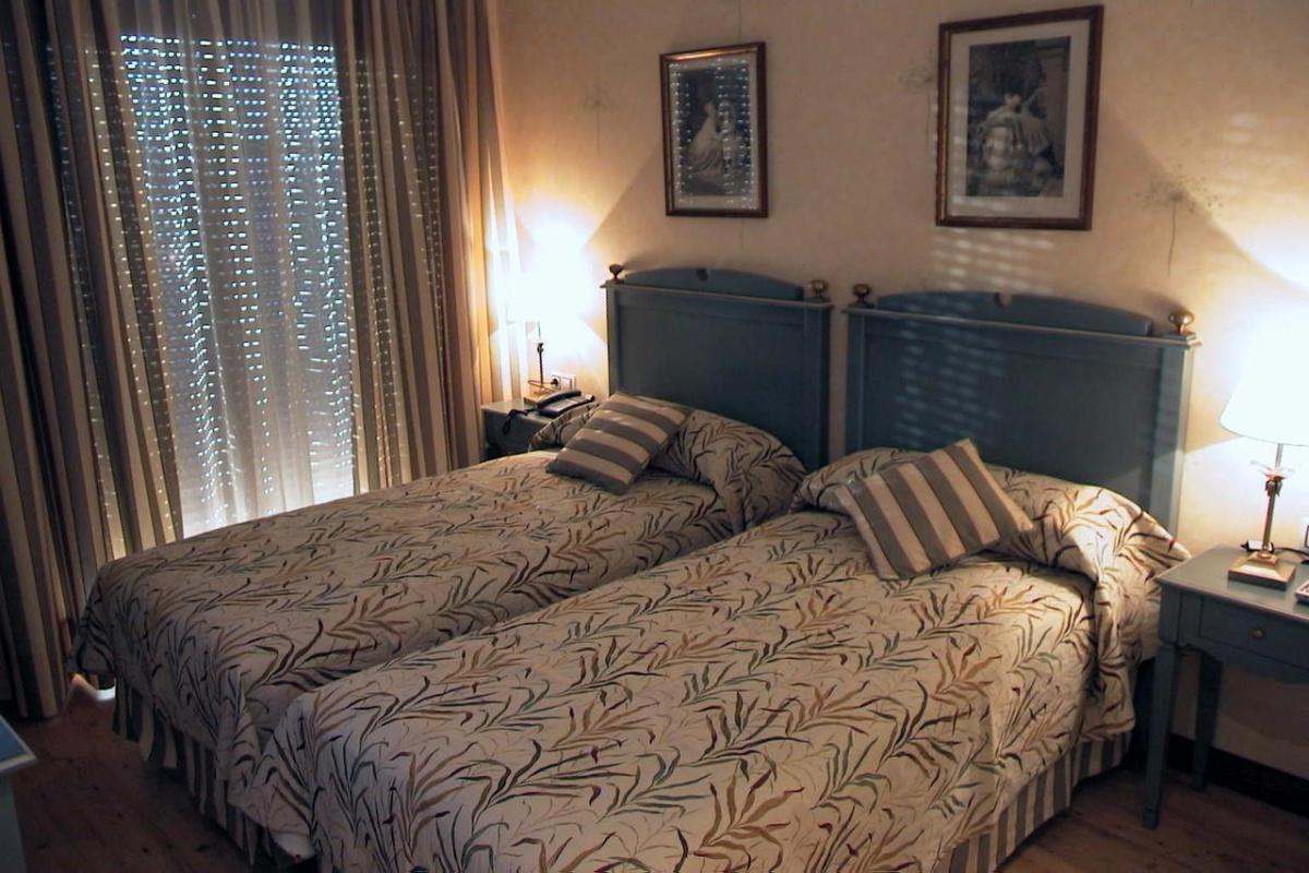 Camino de Santiago Accommodation: Hotel Santiago ⭑⭑⭑