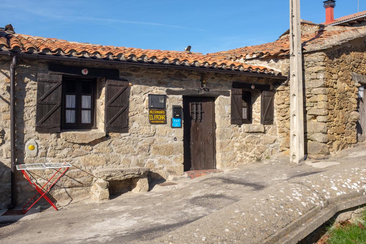 Camino de Santiago Accommodation: Casa El Pajar de Trampas