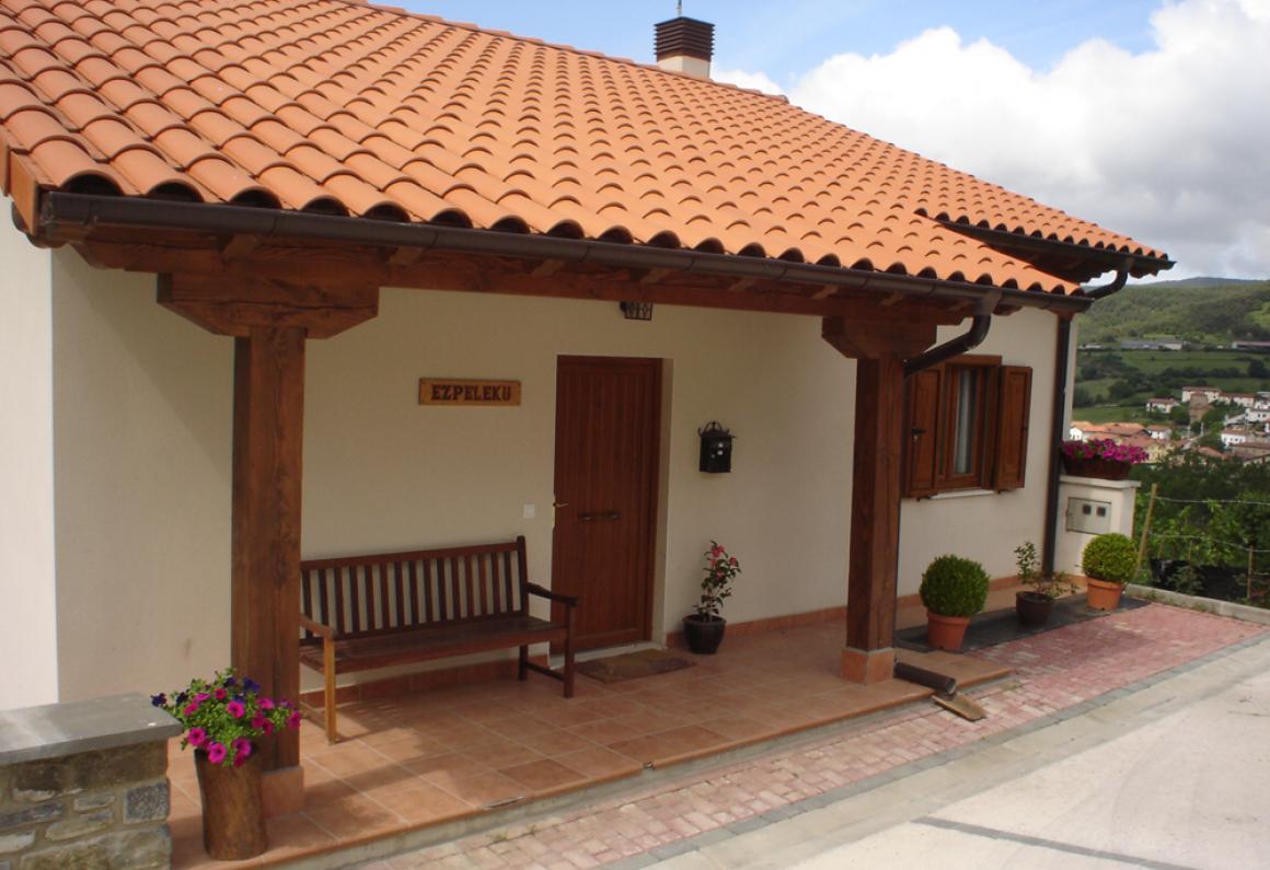 Camino de Santiago Accommodation: Albergue Ezpeleku