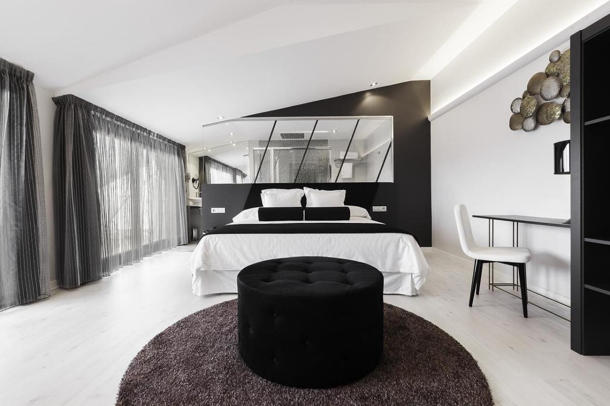 Camino de Santiago Accommodation: Hotel Cardenal