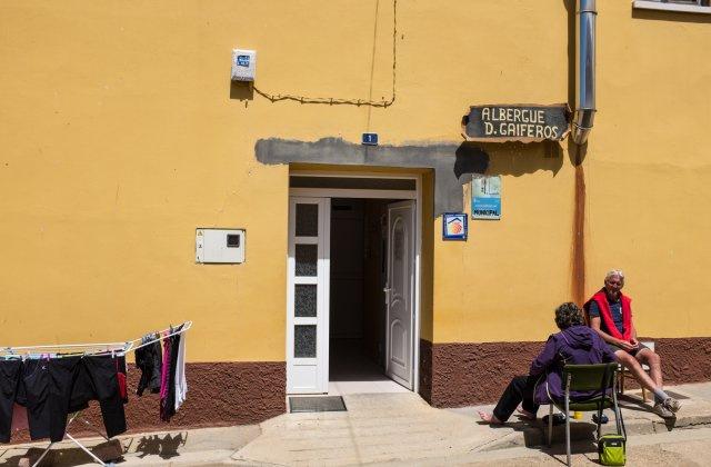 Camino de Santiago Accommodation: Albergue de Reliegos D Gaiferos