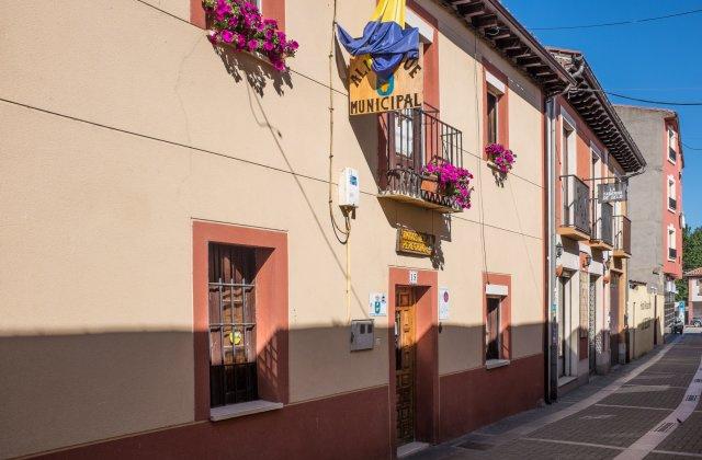 Camino de Santiago Accommodation: Albergue de Mansilla de las Mulas