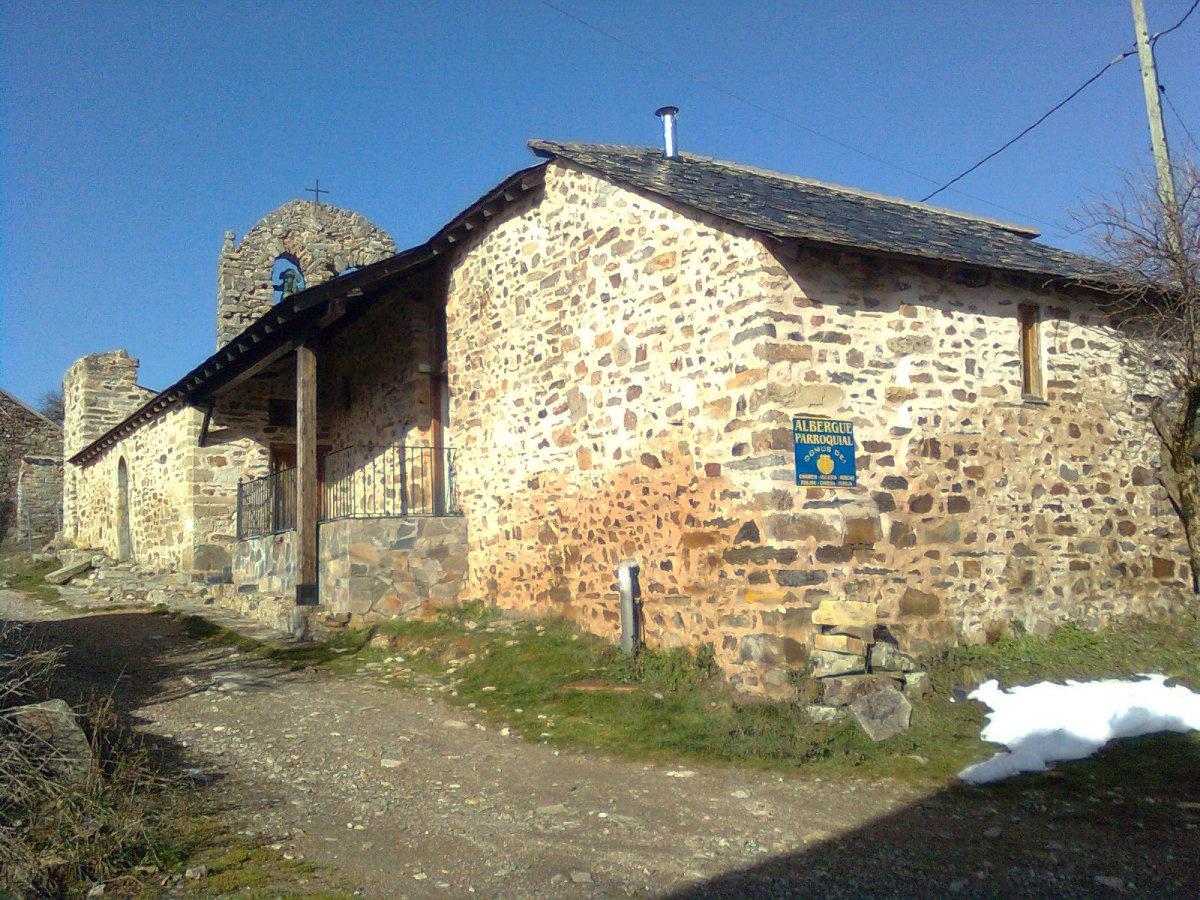Camino de Santiago Accommodation: Albergue Parroquial Domus Dei