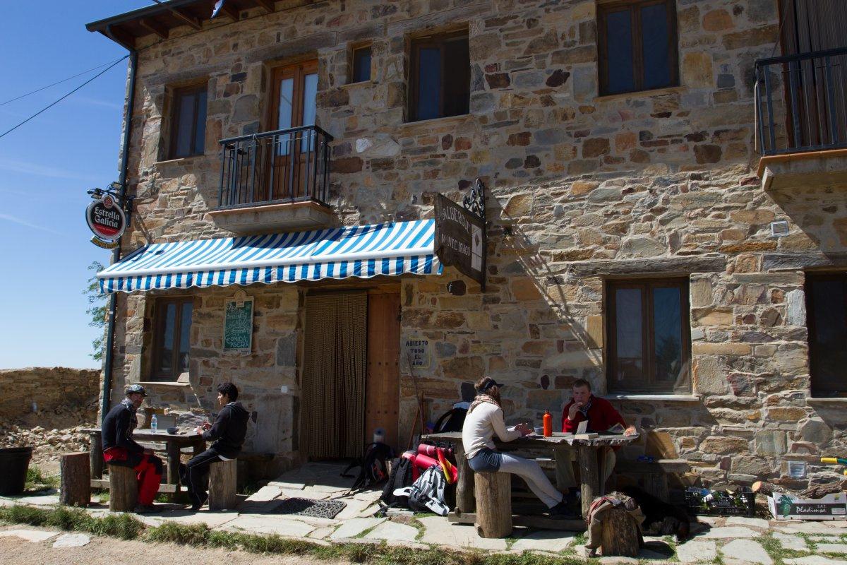 Camino de Santiago Accommodation: Albergue Monte Irago