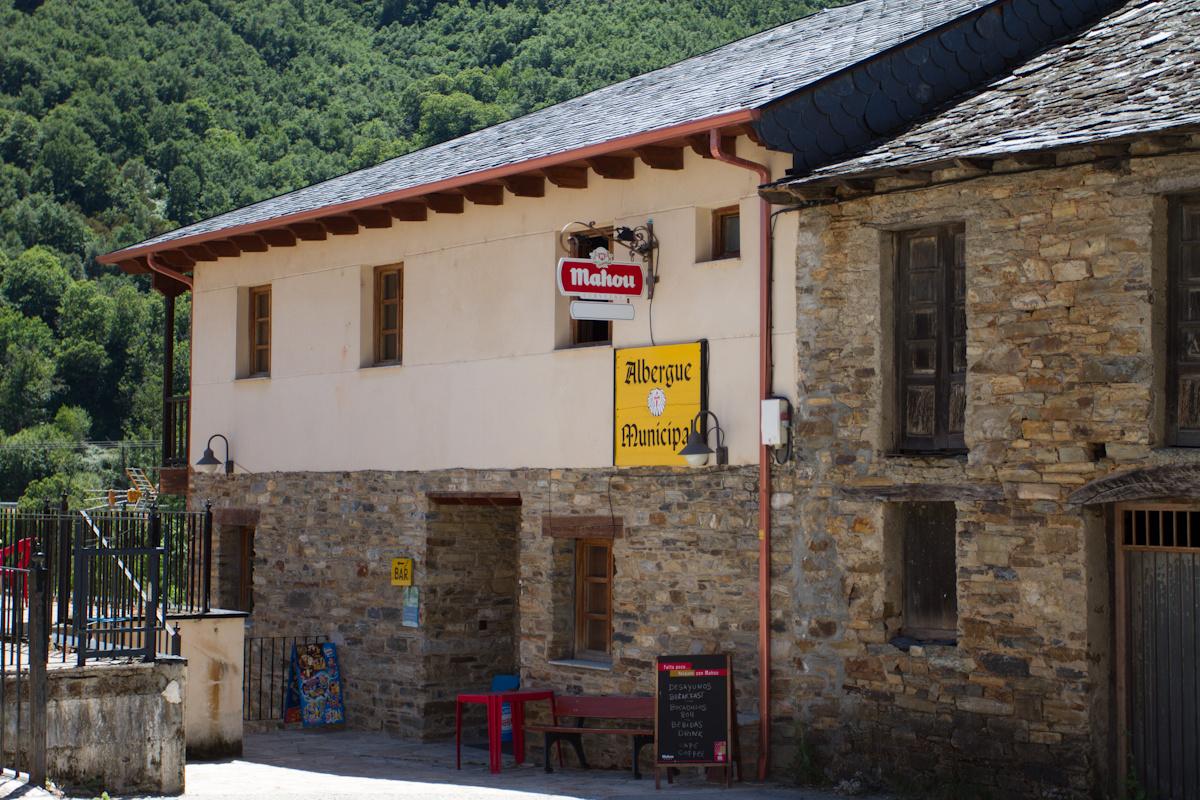 Camino de Santiago Accommodation: Albergue Municipal La Casa del Peregrino