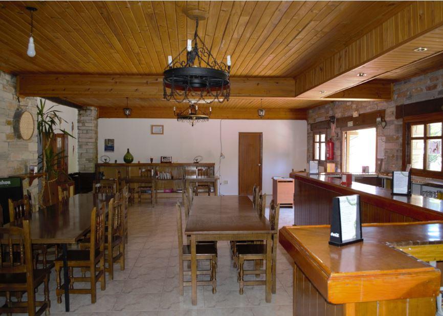 Camino de Santiago Accommodation: Albergue El Roble