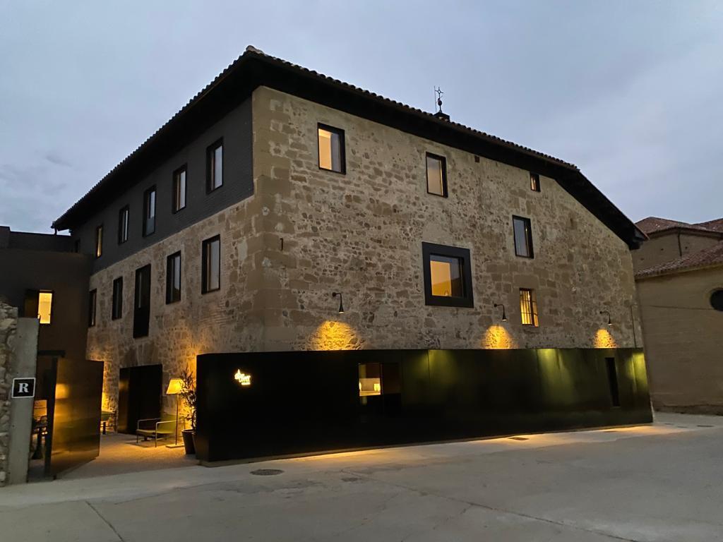 Camino de Santiago Accommodation: Casa Grande Hotel ⭑⭑⭑⭑