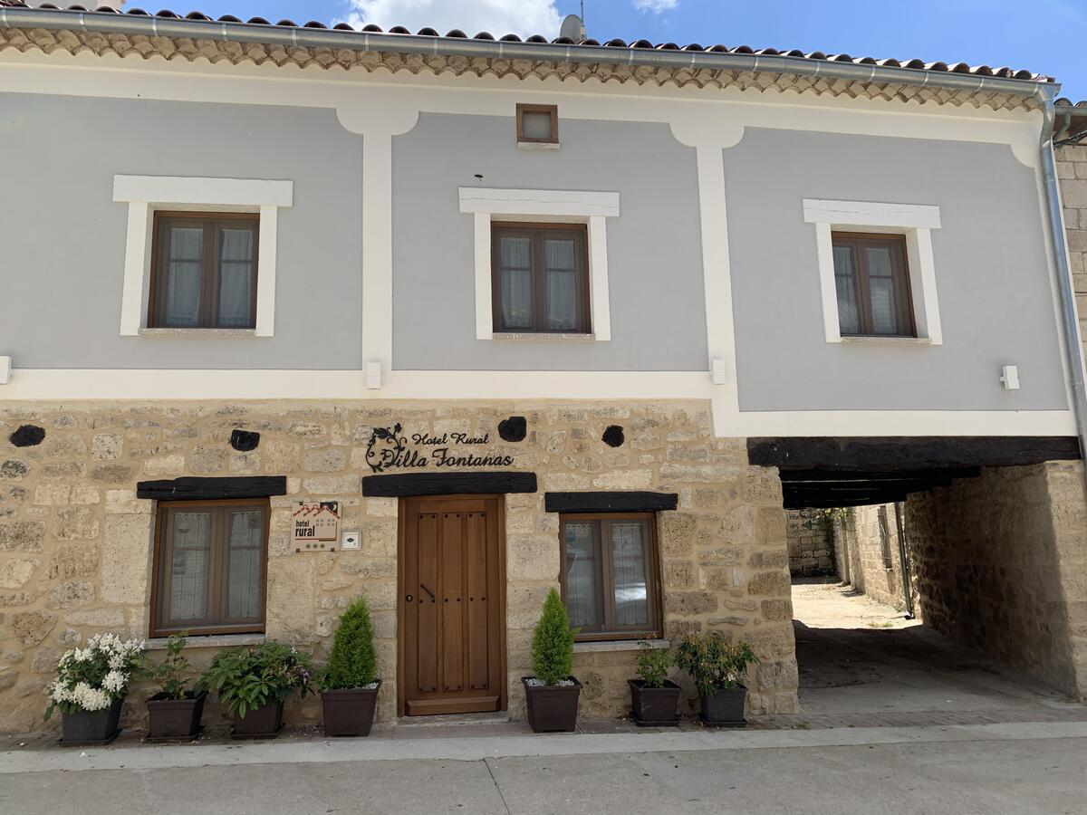 Camino de Santiago Accommodation: Hotel Rural Villa Fontanas ⭑⭑⭑