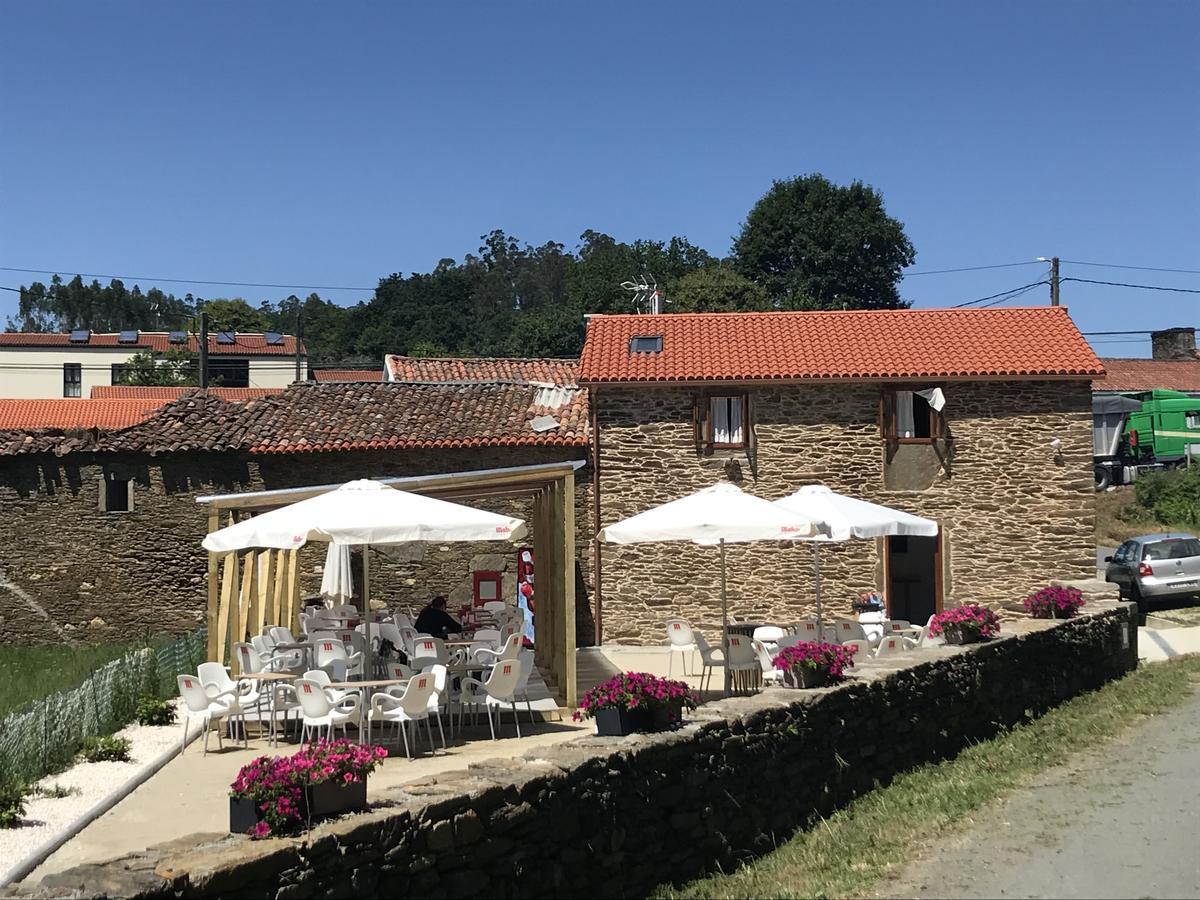 Camino de Santiago Accommodation: Pensión Kilómetro 15