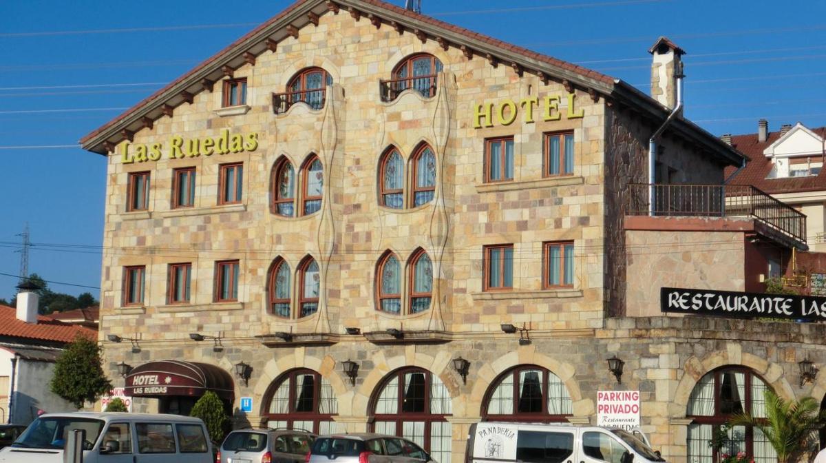 Camino de Santiago Accommodation: Hotel Las Ruedas ⭑