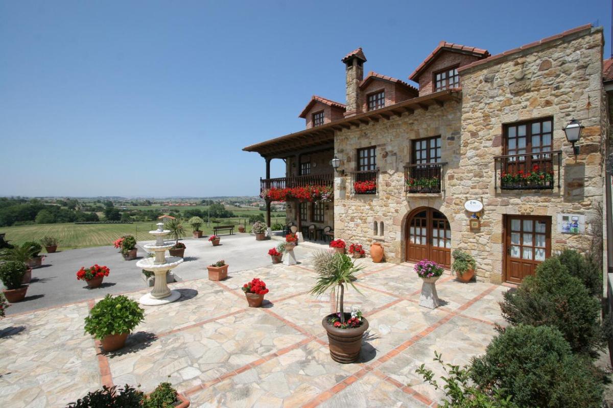 Camino de Santiago Accommodation: Posada El Solar ⭑⭑⭑
