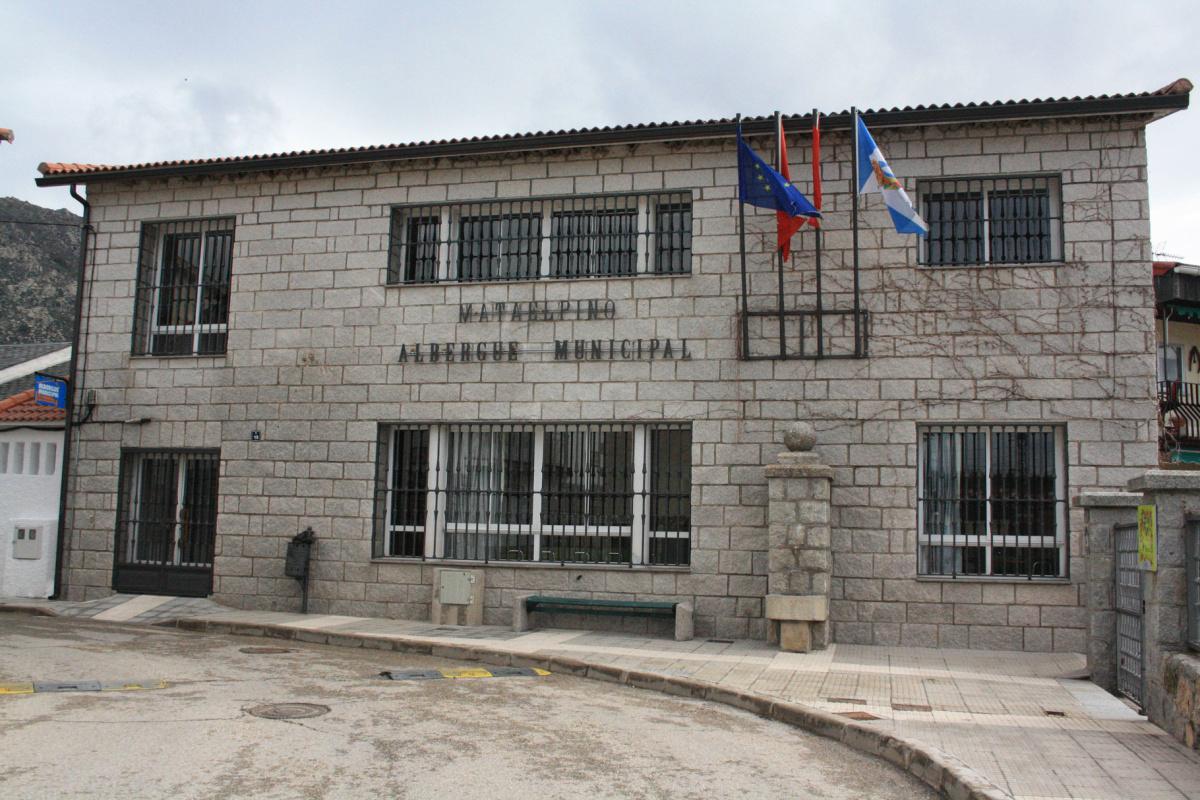 Camino de Santiago Accommodation: Albergue de Mataelpino