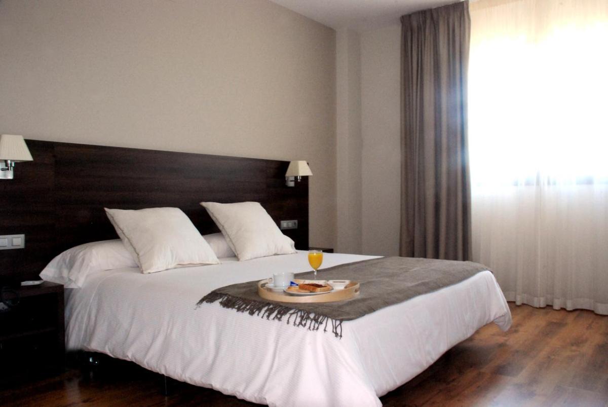 Camino de Santiago Accommodation: Hotel Pago del Olivo ⭑⭑⭑