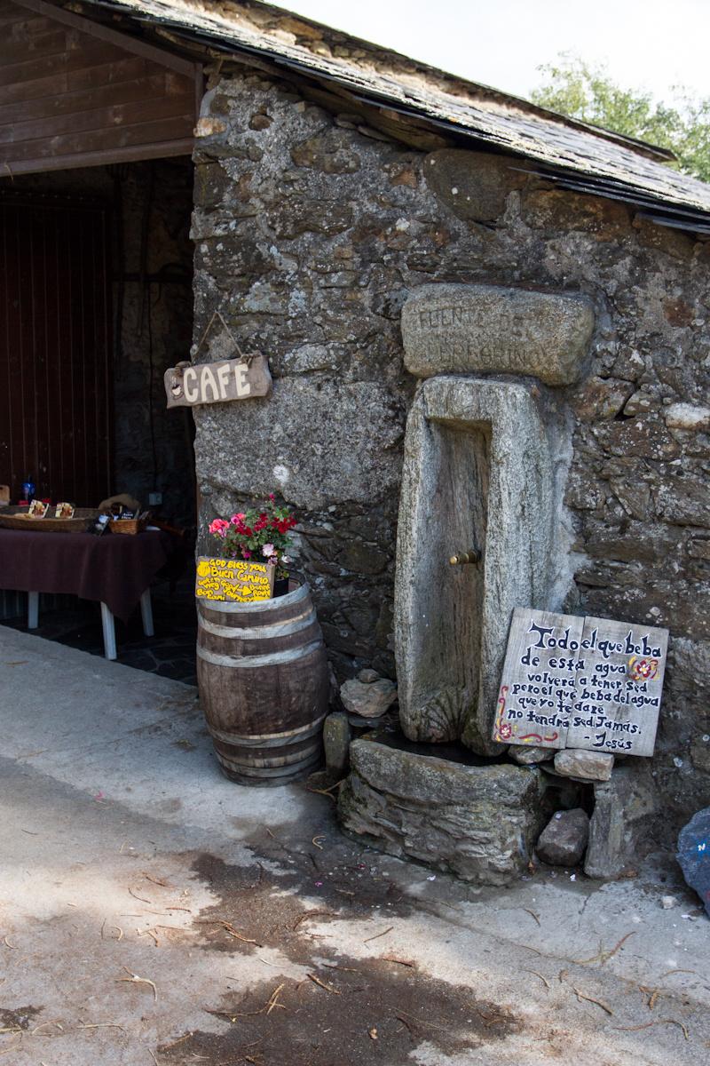 Camino de Santiago Accommodation: Albergue Fuente del Peregrino
