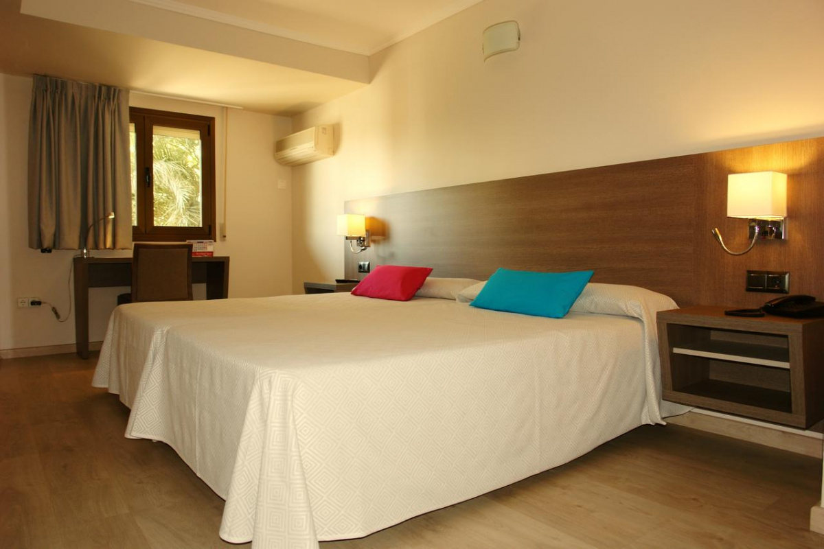 Camino de Santiago Accommodation: Hotel Plaza ⭑⭑⭑
