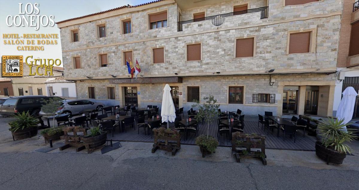 Camino de Santiago Accommodation: Los Conejos Hotel ⭑⭑
