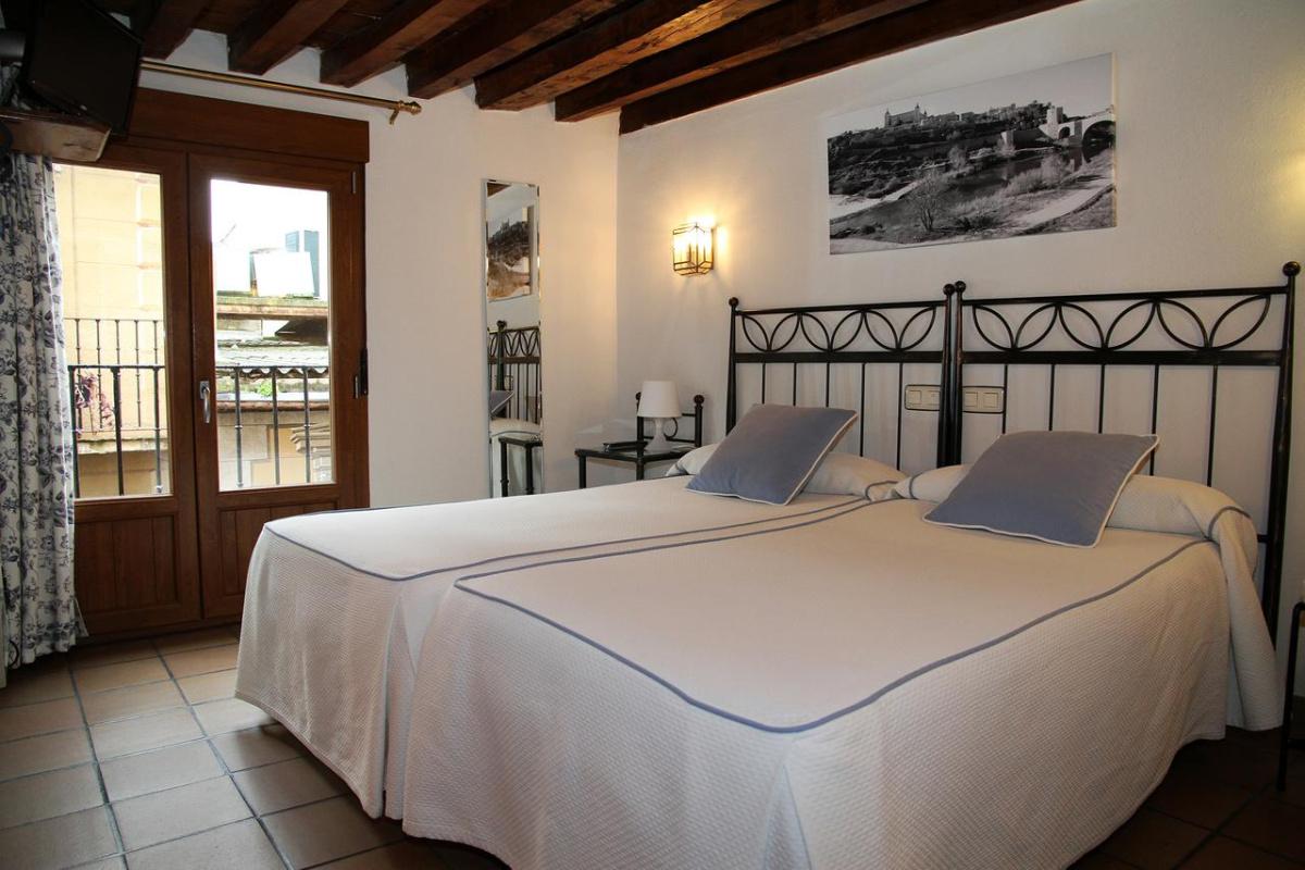 Camino de Santiago Accommodation: Hostal La Posada de Zocodover ⭑
