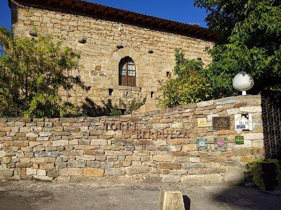 Camino de Santiago Accommodation: Torre de Berrueza ⭑⭑⭑