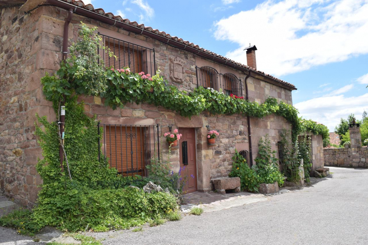 Camino de Santiago Accommodation: Casa Miguel