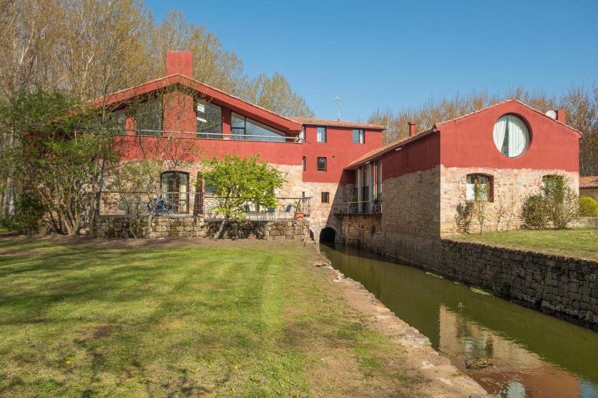 Camino de Santiago Accommodation: Hotel Rural El Molino de Salinas ⭑⭑⭑