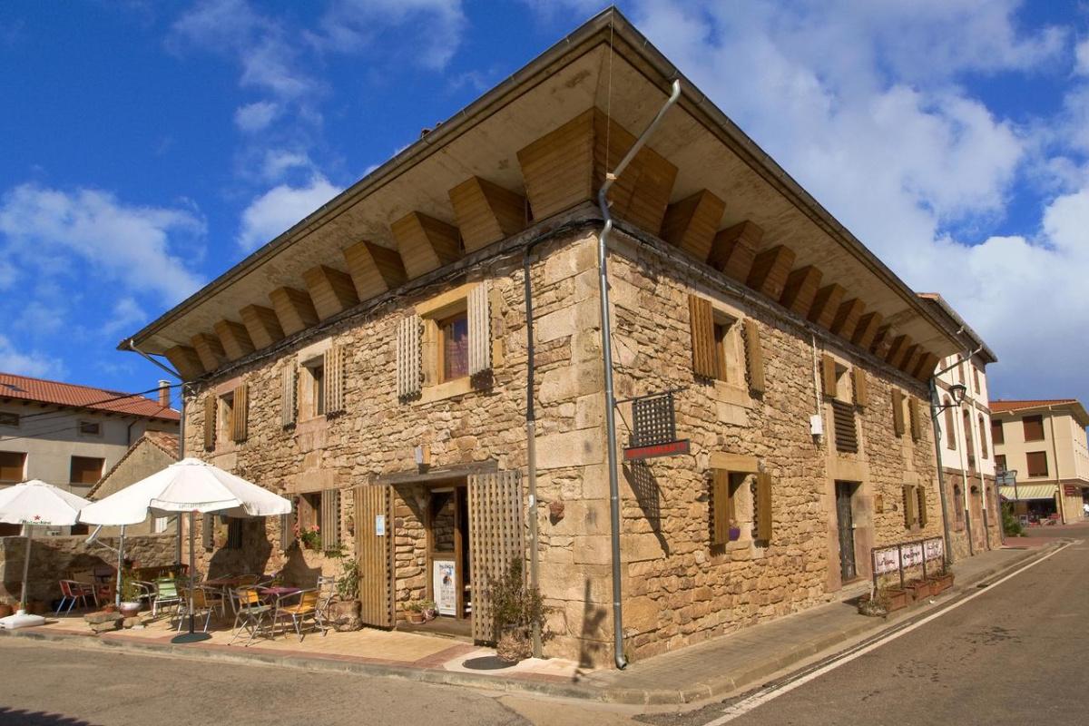 Camino de Santiago Accommodation: Hotel Rural Las Campanas ⭑⭑⭑