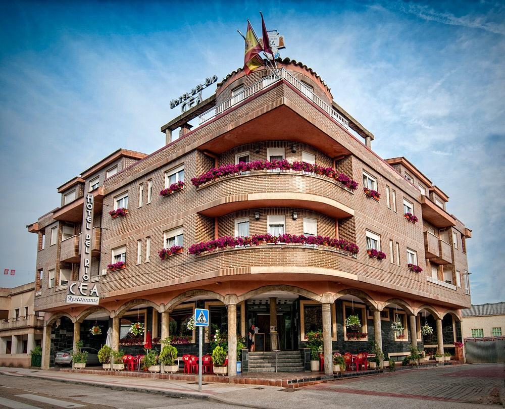 Camino de Santiago Accommodation: Hotel Río Cea