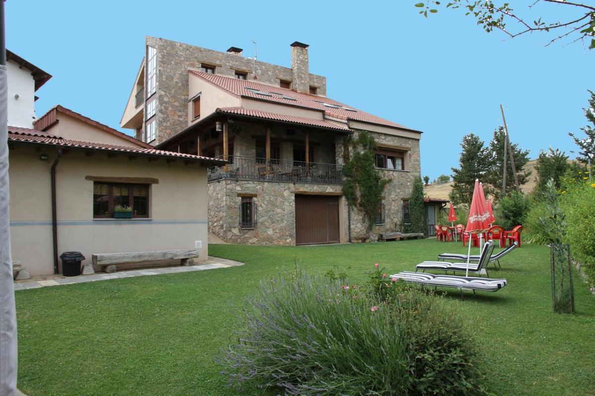 Camino de Santiago Accommodation: Casa Rural Valle del Tuejar