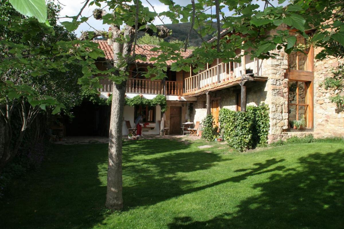 Camino de Santiago Accommodation: El Canto del Gallo