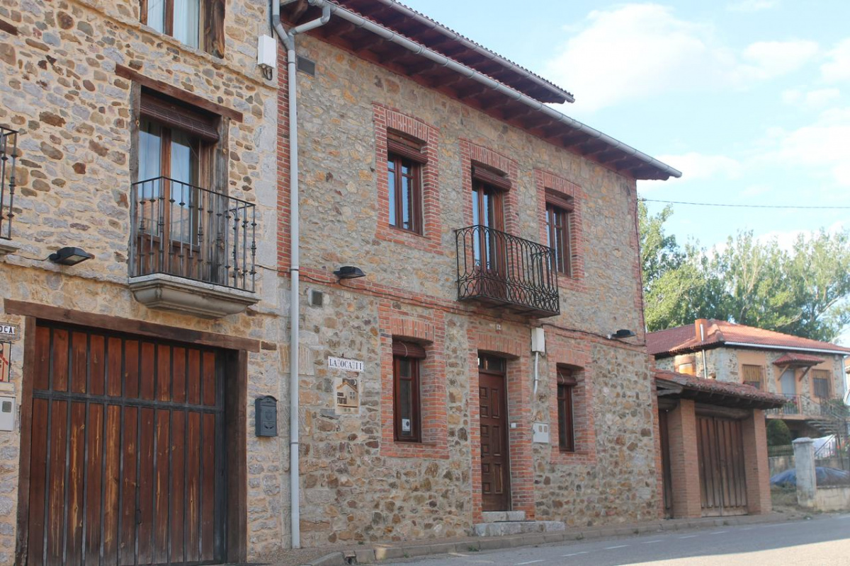 Camino de Santiago Accommodation: Casa Rural La Oca I y II