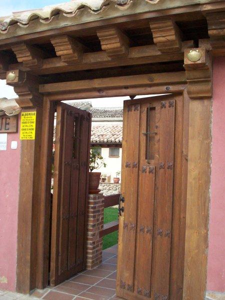 Camino de Santiago Accommodation: Albergue Estrella del Camino