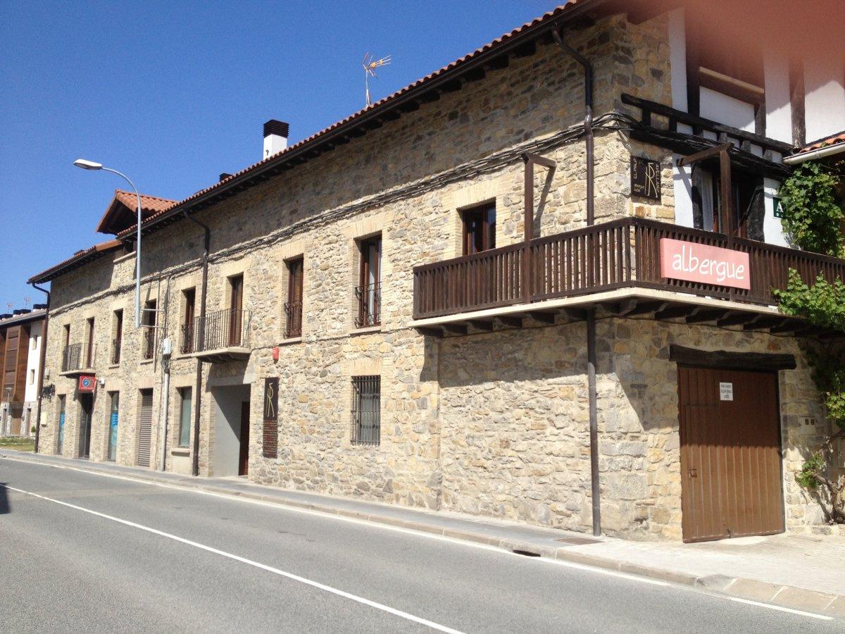 Camino de Santiago Accommodation: Albergue El Palo de Avellano