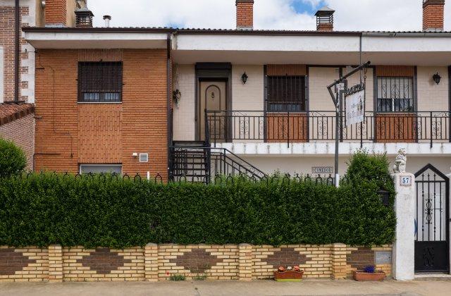 Camino de Santiago Accommodation: Albergue Vía Trajana