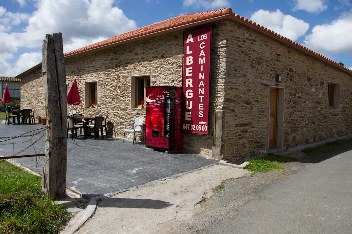 Camino de Santiago Accommodation: Albergue Los Caminantes