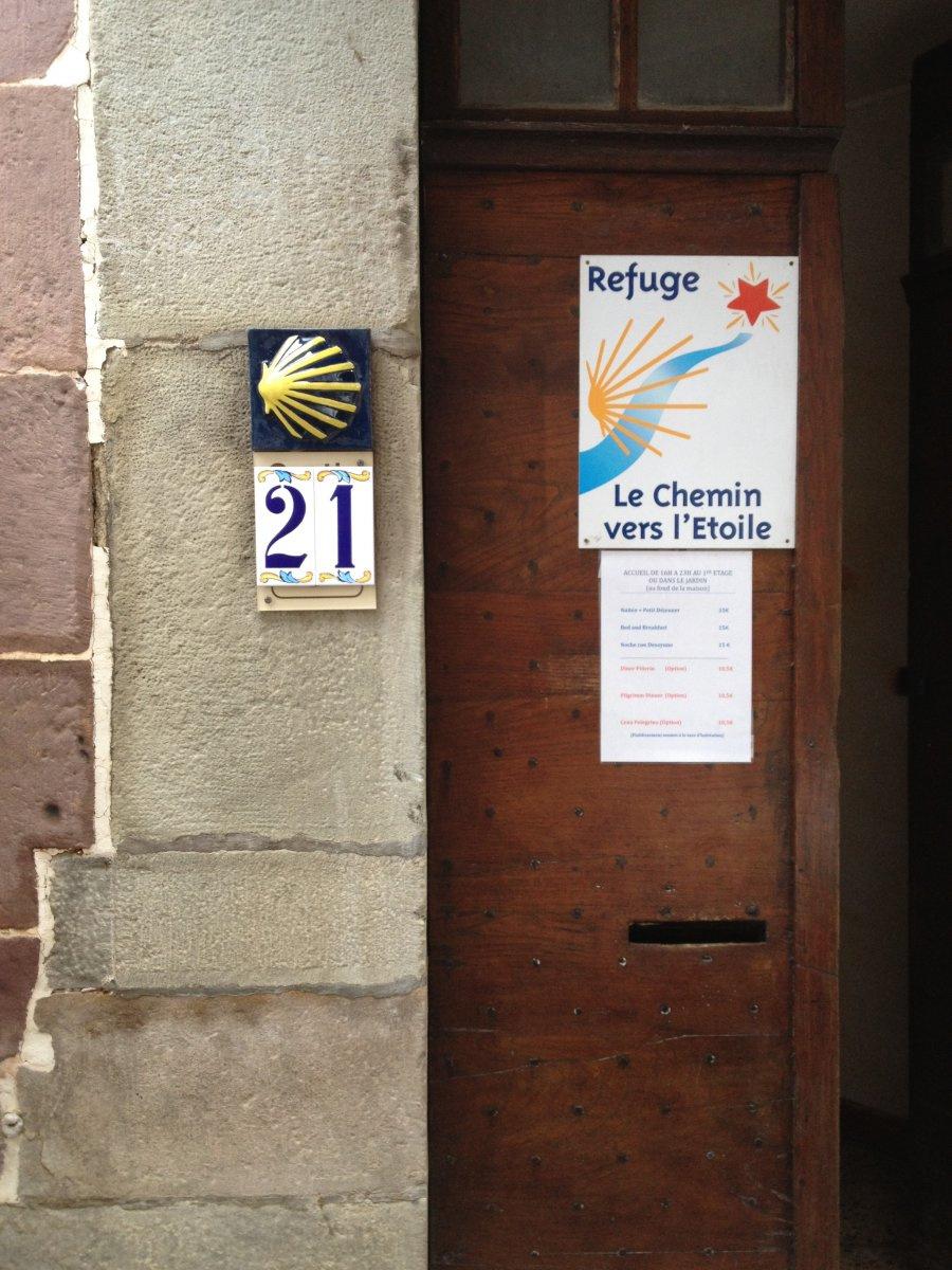 Camino de Santiago Accommodation: Albergue Le Chemin vers L Etoile