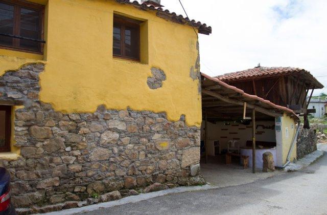 Camino de Santiago Accommodation: Albergue de peregrinos de Bodenaya