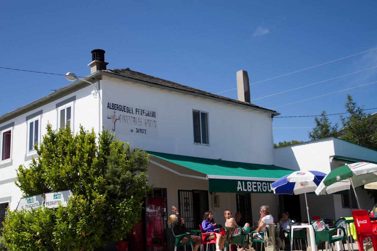 Camino de Santiago Accommodation: Albergue Bar Puerto