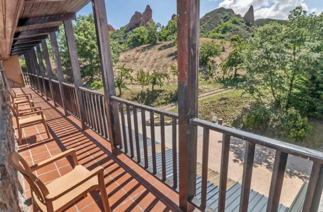 Camino de Santiago Accommodation: Hotel Medulio