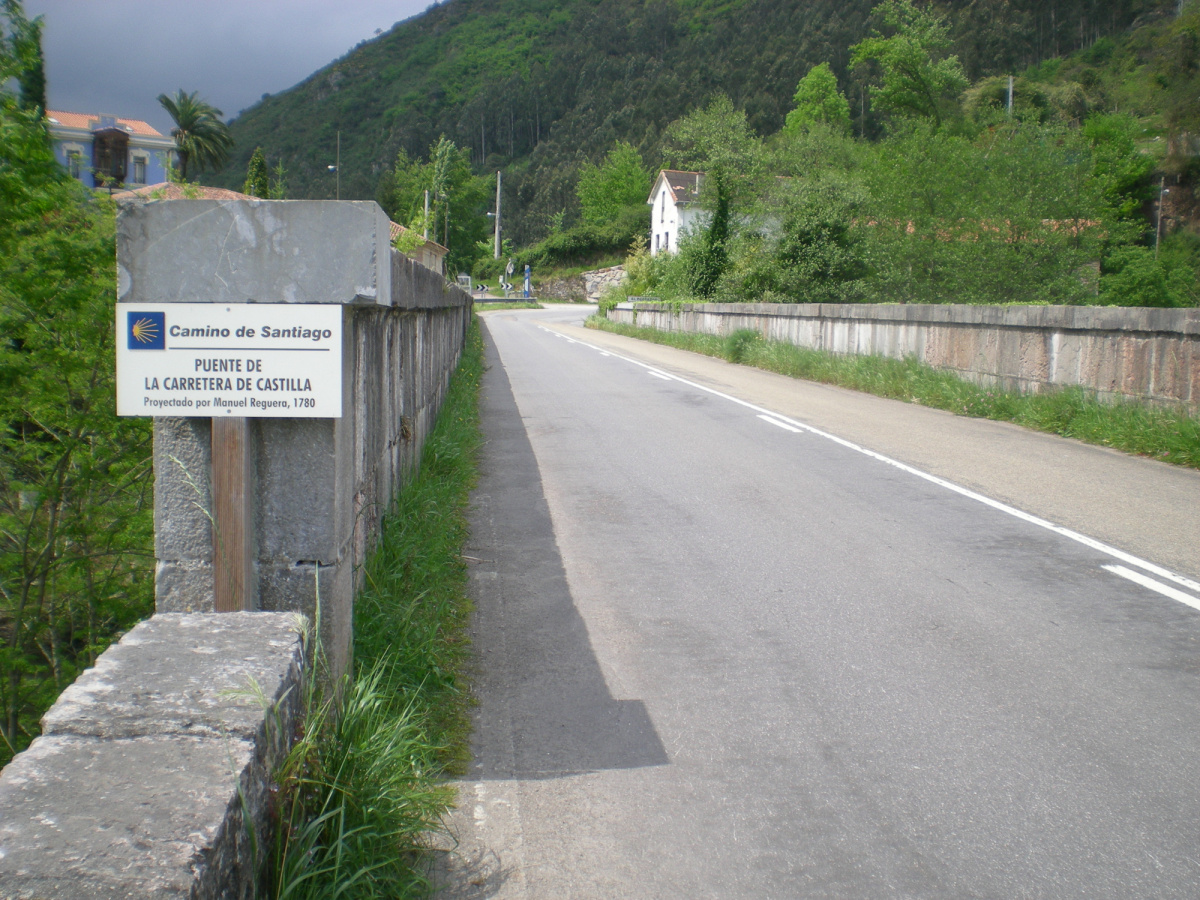 Photo of El Portazgo on the Camino de Santiago