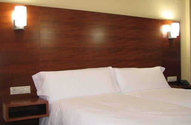 Camino de Santiago Accommodation: Hotel Ruta de la Plata ⭑⭑⭑