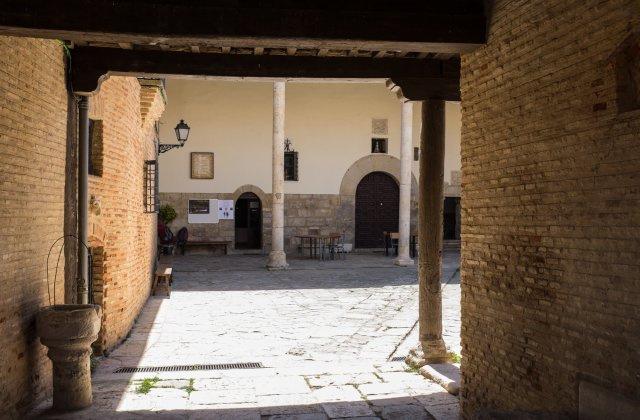 Camino de Santiago Accommodation: Monasterio de Santa Clara